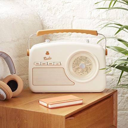 GPO Rydell Four Band Radios | Retro Radios UK | Best Retro Radios | Retro Radios,Bluetooth, DAB, Portable Cheap Radios