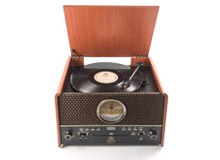 GPO Chesterton, with its vintage style is a vinyl turntable