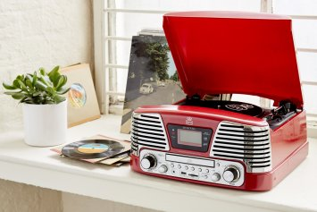 Top 10 record players,retro record players