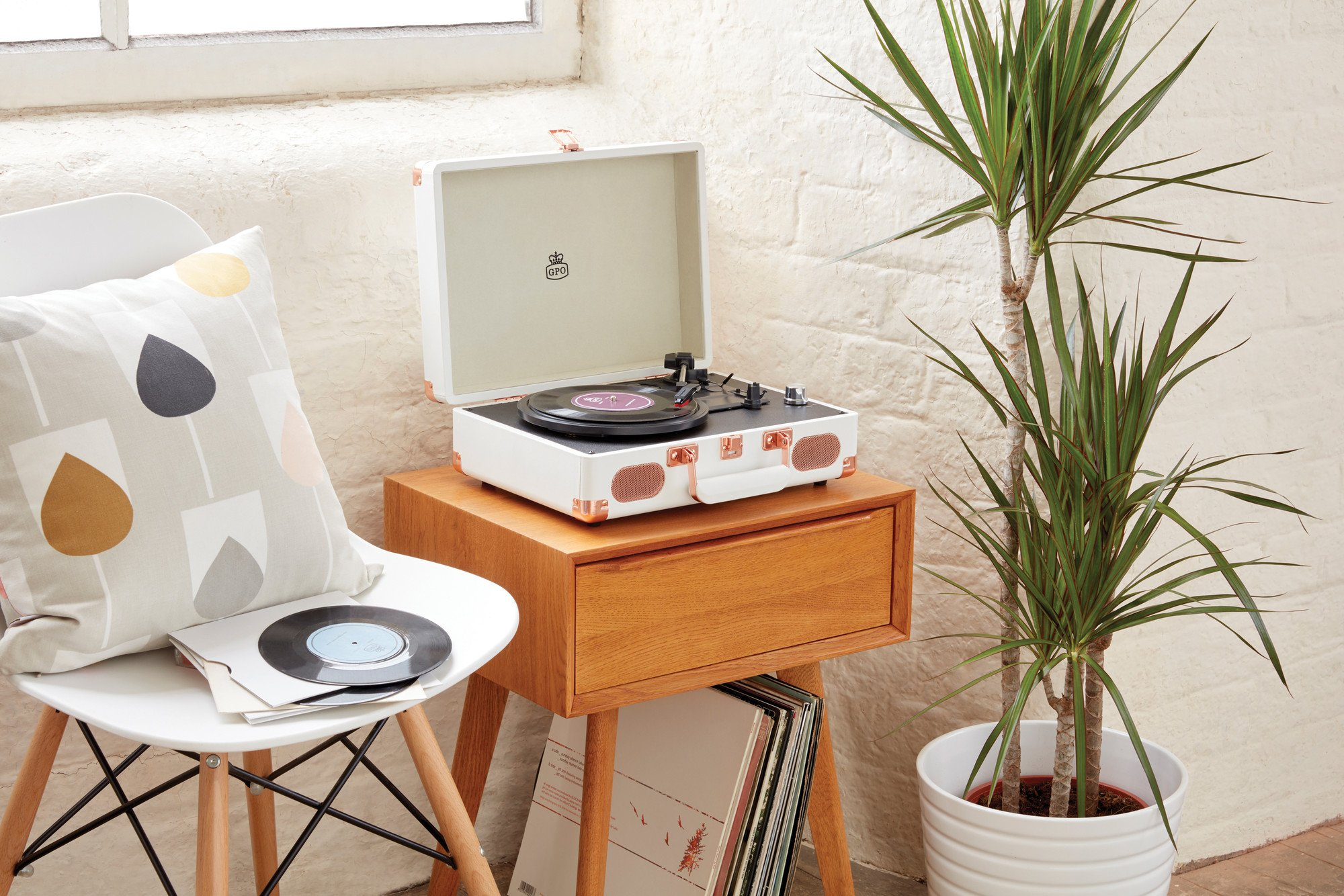 GPO Soho A Suitcase Style Record Player